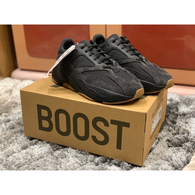 Yeezy boost 700 adidas มือ1 ของแท้