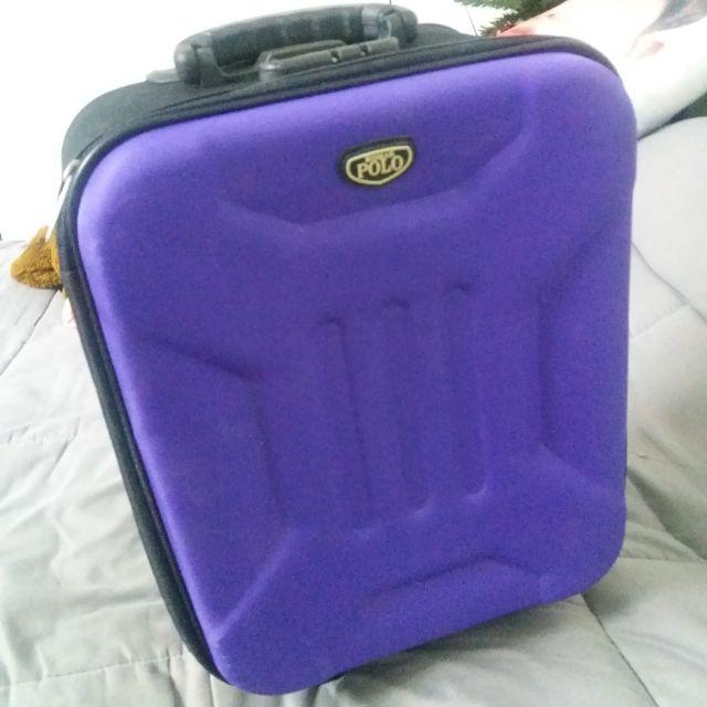 กระเป๋าเดินทาง 18 นิ้ว