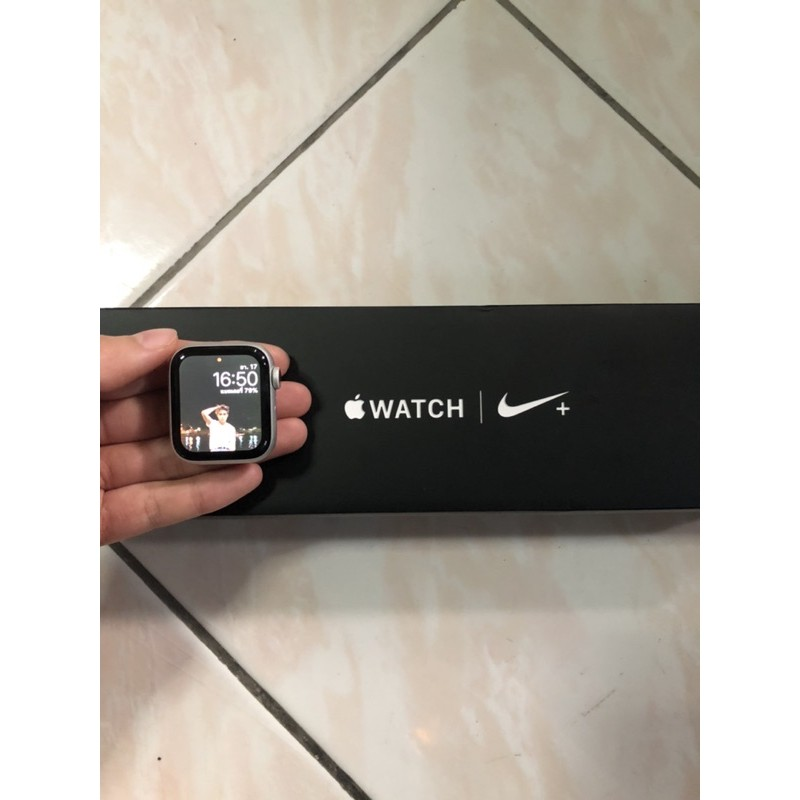applewatch4 40mm gps+cellular (มือสอง)