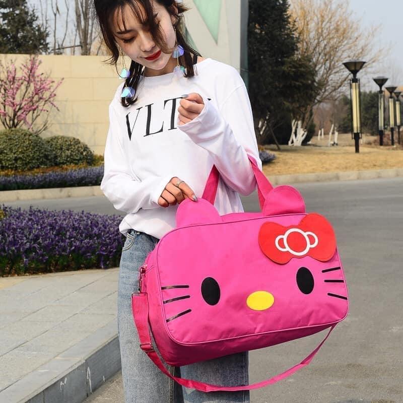 กระเป๋าเดินทางเฮลโลคิตตี Hello Kitty กระเป๋าใบใหญ่ บรรจุของได้เยอะ ขนาด 16  นิ้ว