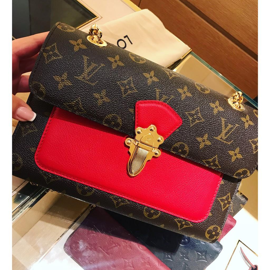 ≉☠ กระเป๋าเป้สะพายหลัง★★★❤🔥🔥กระเป๋ากระเป๋าเดินทาง  กระเป๋าผู้หญิง Lv Louis Vuitton Victoire สายโซ่จับคู่สายโซ่สีทองล็อ