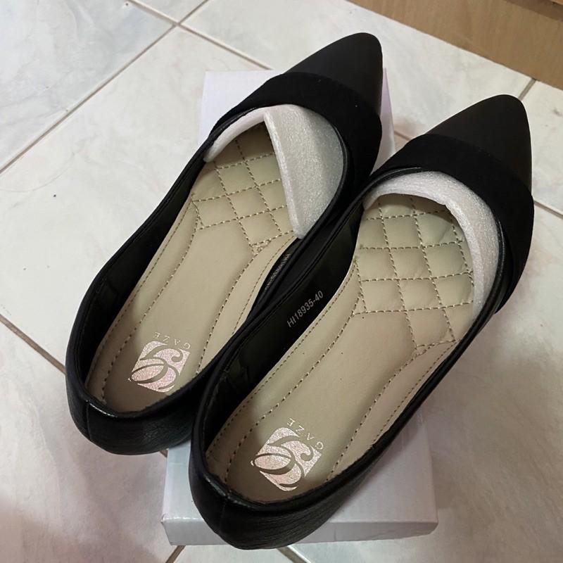 รองเท้าคัชชู สำหรับผู้หญิง