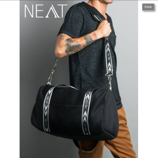 NEAT กระเป๋าเดินทางสะพายไหล่ สีดำ