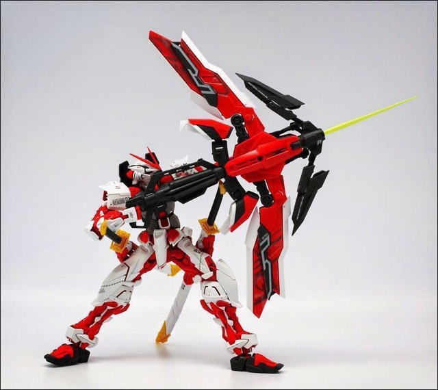 Image # 2 of Review MG  MBF-P02KAI Gundam Astray Red Frame kai