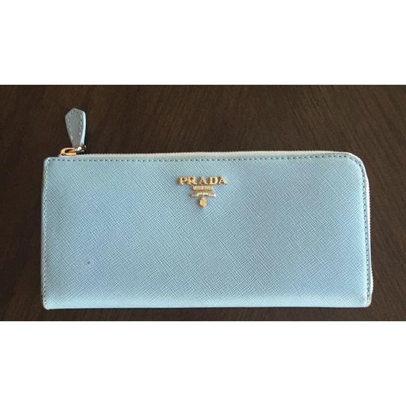 กระเป๋าสตางค์ มือสอง แท้100% Prada Baby Blue Saffiano Leather Wallet 6,500