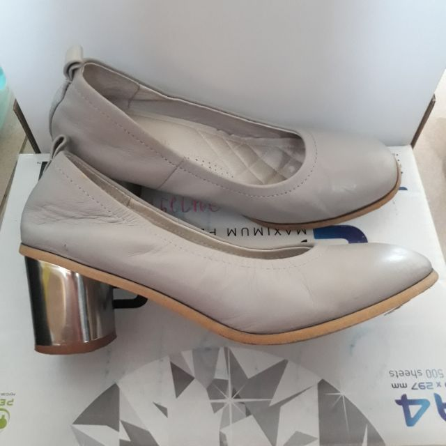 รองเท้าคัชชู ผู้หญิง มือสอง สีเทา ไซน์ 36
