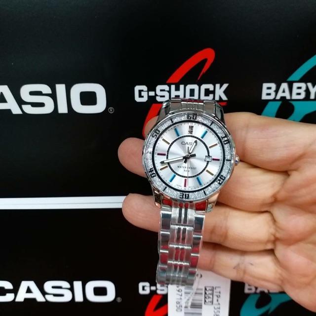 นาฬิกาข้อมือผู้หญิง casio standard สายสแตนเลส
