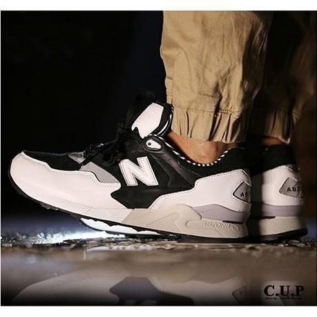 magasin en ligne 597d8 96a39 รองเท้าผ้าใบ New Balance / NB 878 สำหรับผู้ชาย