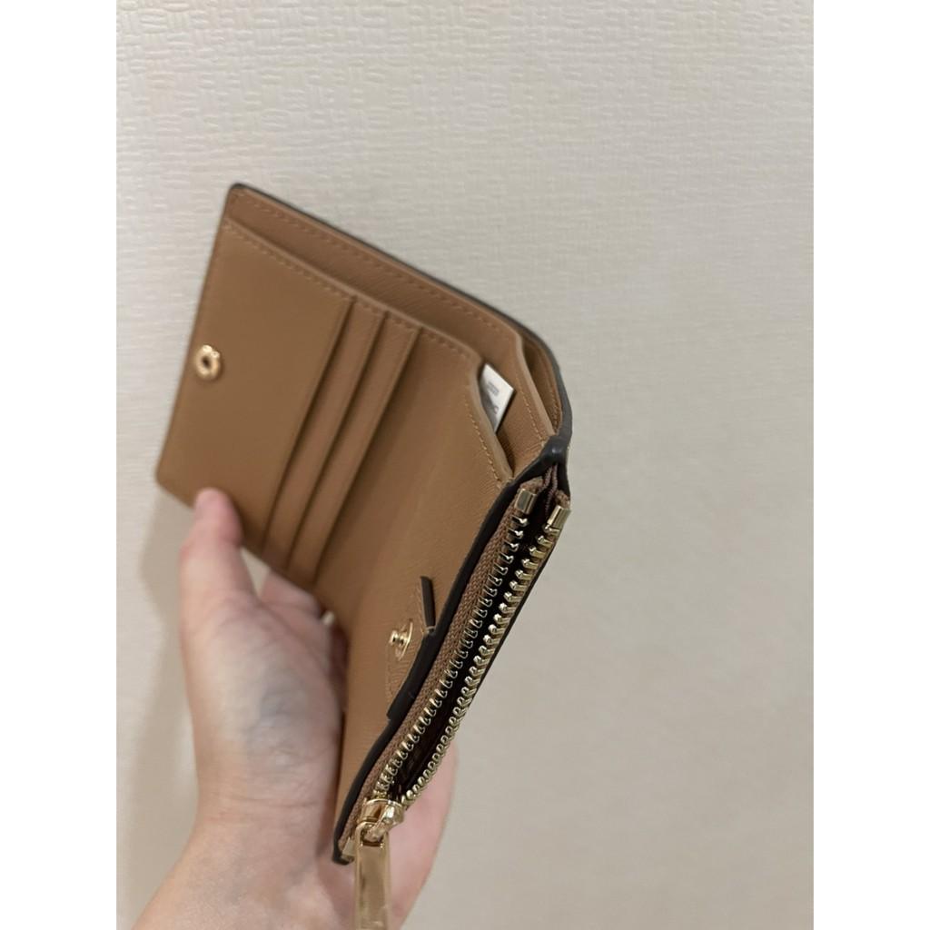coach∈℗✕พร้อมส่ง 🔥Sale 3099🔥Tory Burch Emerson Mini Wallet กระเป๋าสตางค์ใบสั้น หนัง Saffiano รุ่นยอดนิยม