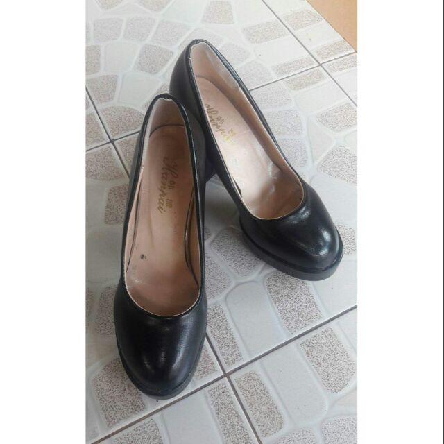 รองเท้าคัชชูสีดำส้นสูง