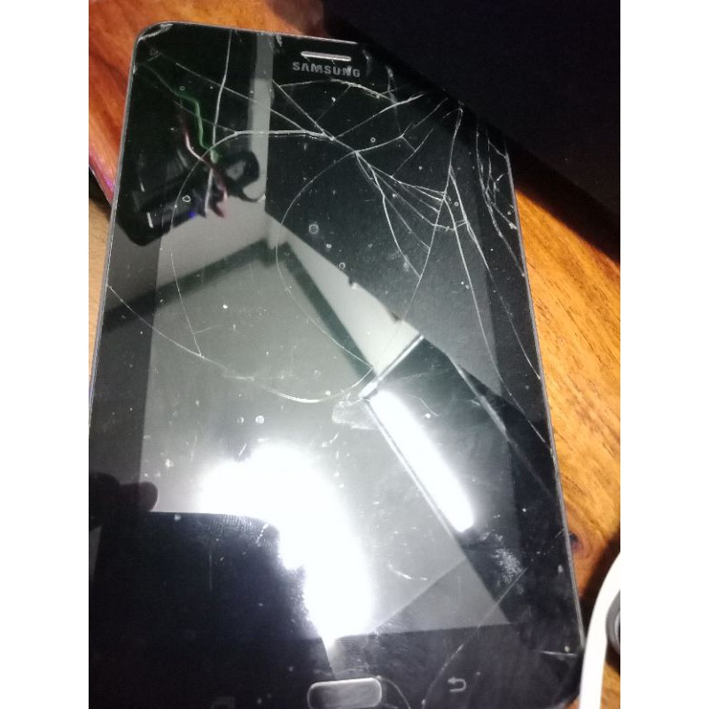 แท็บเล็ต Samsung Galaxy Tab A มือสอง(รุ่นเก่าลืมแล้ว)
