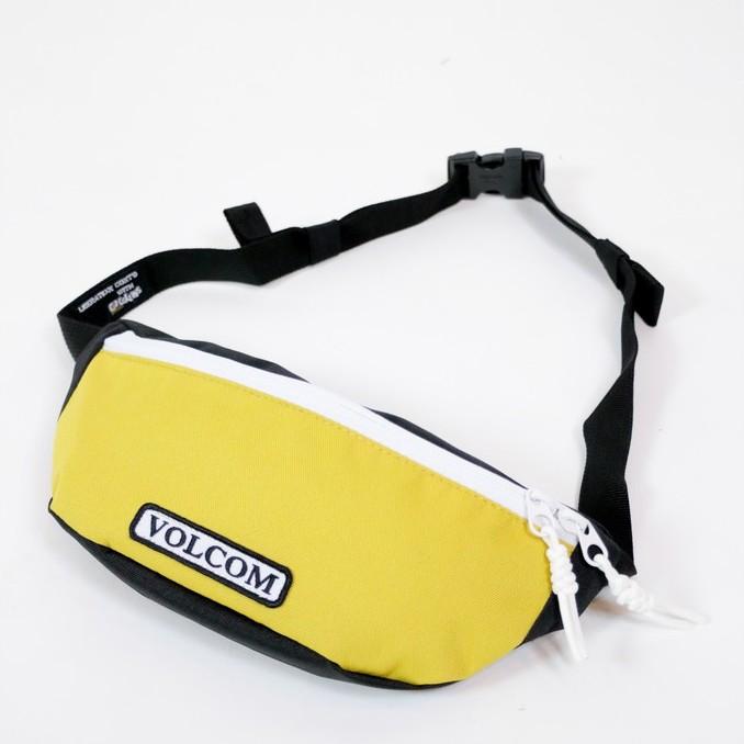 VOLCOM กระเป๋าคาดอก สีเหลือง VD6541900 STONE AZZA POUCH SP20 -EA -GLD N