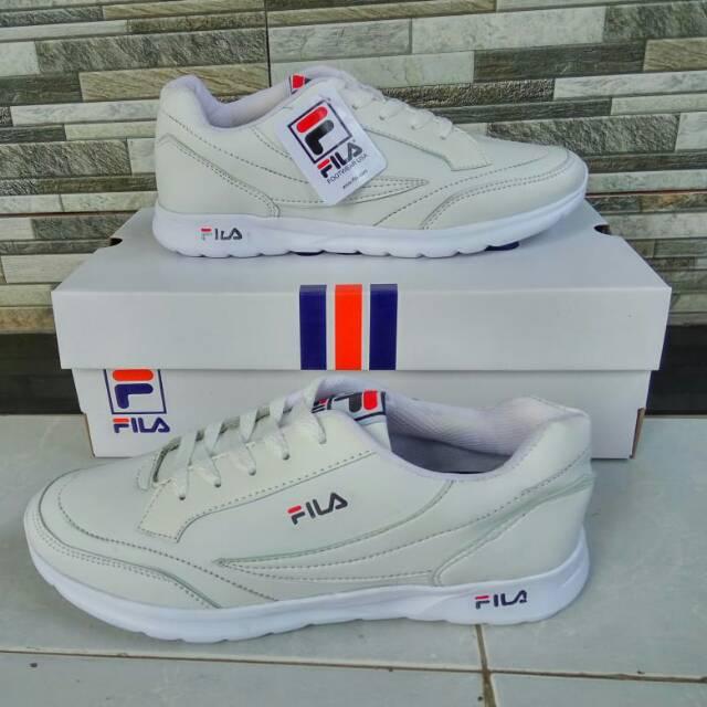 Fila รองเท้าวิ่งสีขาวแบบเต็ม