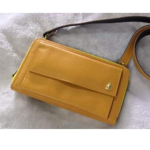 กระเป๋าเศรษฐีคุณกิ่งบุญมณี กระเป๋าสะพายซิปรอบ