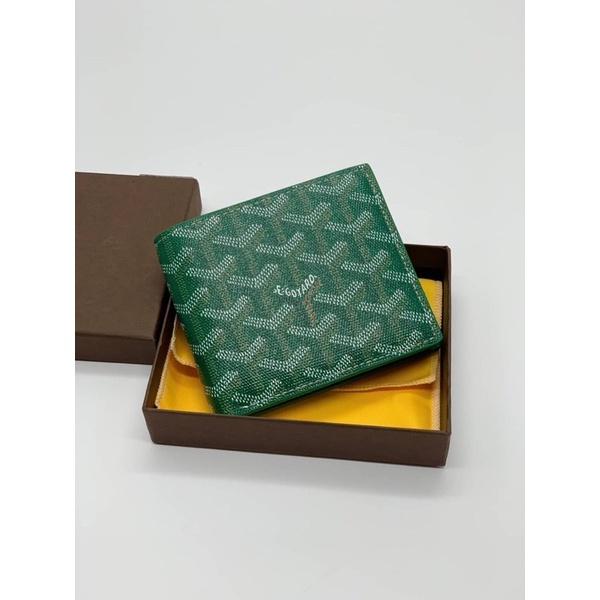 Hiend Goyard wallet.