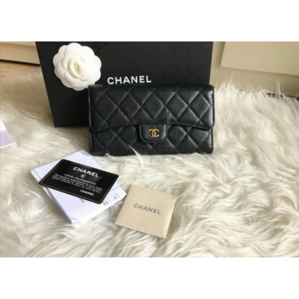 Used Chanel wallet.Triflod Holo20