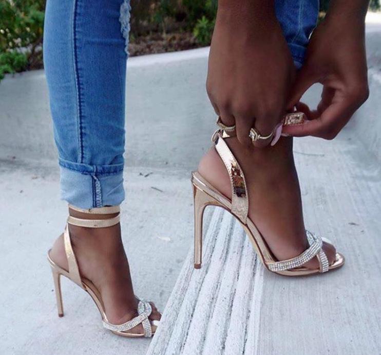 รองเท้า รองเท้าผู้หญิง รองเท้าคัชชู ส้นสูง แฟชั่น