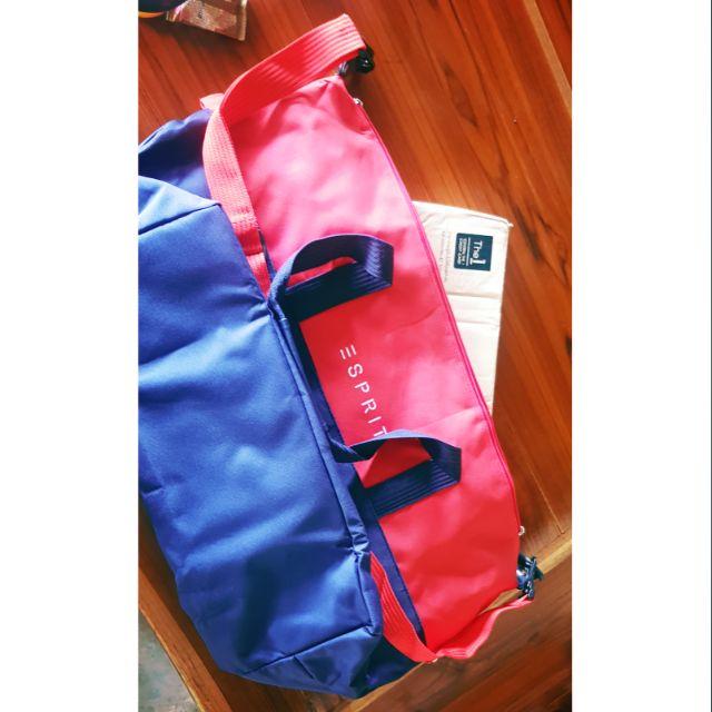 Esprit กระเป๋าเดินทาง