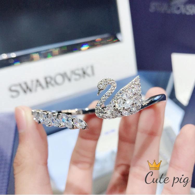 Swarovski สร้อยข้อมือคริสตัลรูปหงส์วาว 5231330💥