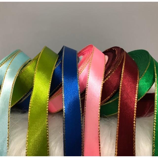 ริบบิ้นตัดหลา 📍ราคาถูกสุดคุ้ม/มีพร้อมส่ง📍 ริบบิ้นผ้าซาตินขอบทอง ขนาดกว้าง 1.5 ซม.(ราคา/1หลา) ริบบิ้นผ้า ริบบิ้นทำโบว์