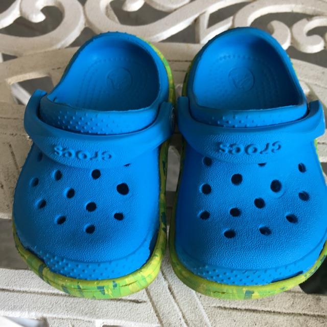 รองเท้าเด็กมือสอง Crocs