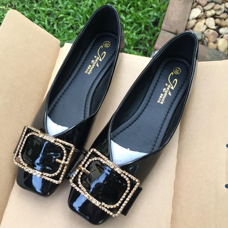 รองเท้าคัชชูสีดำ สำหรับผู้หญิง