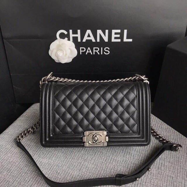 Chanel boy size 10