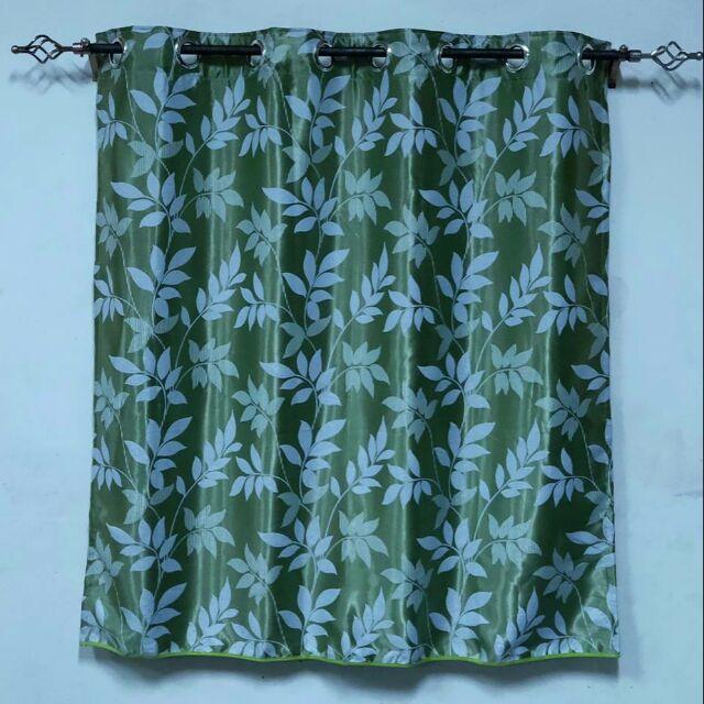 ผ้าม่านหน้าต่าง ผ้าม่านสำเร็จรูปแบบเจาะตาไก่ สีเขียวลายใบไม้