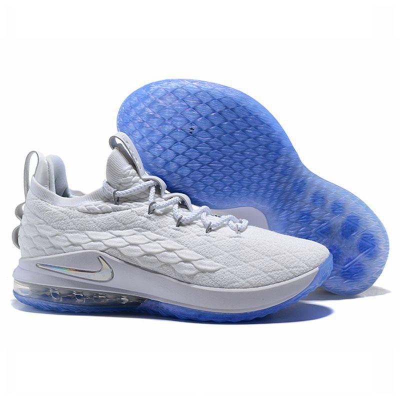 the latest 540c5 d03ff Nike LeBron 15 Low Cut รองเท้าบาสเกตบอล