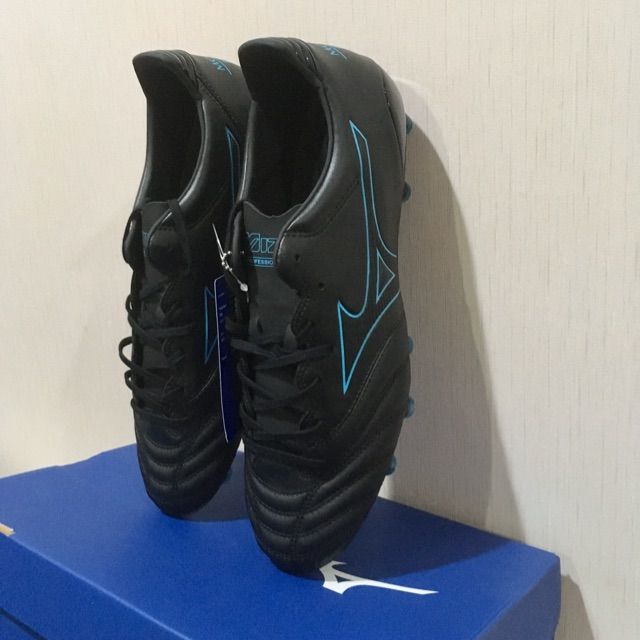 Mizuno รองเท้าฟุตบอล รองท็อป Morelia Neo KL II , Made in Indonesia