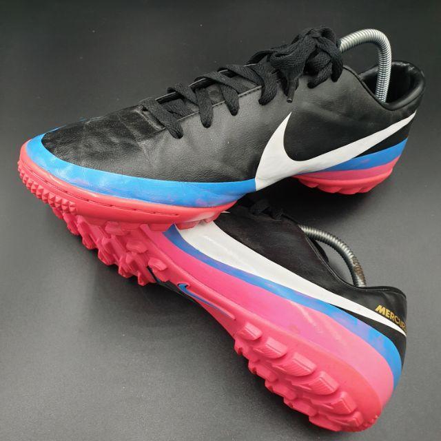Nike รองเท้าฟุตบอลร้อยปุ่มของแท้มือสอง