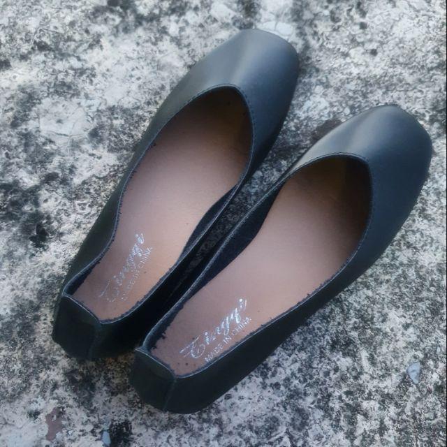 รองเท้าคัชชูหนังนิ่ม สีดำ เบอร์ 36