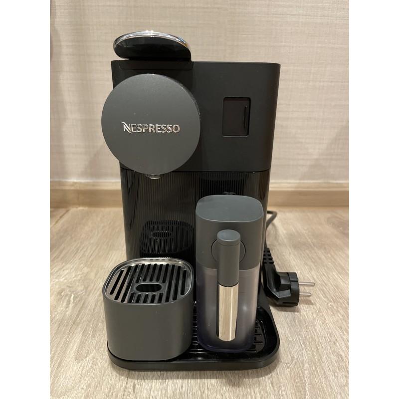 เครื่องทำกาแฟ Nespresso รุ่น Latisma One