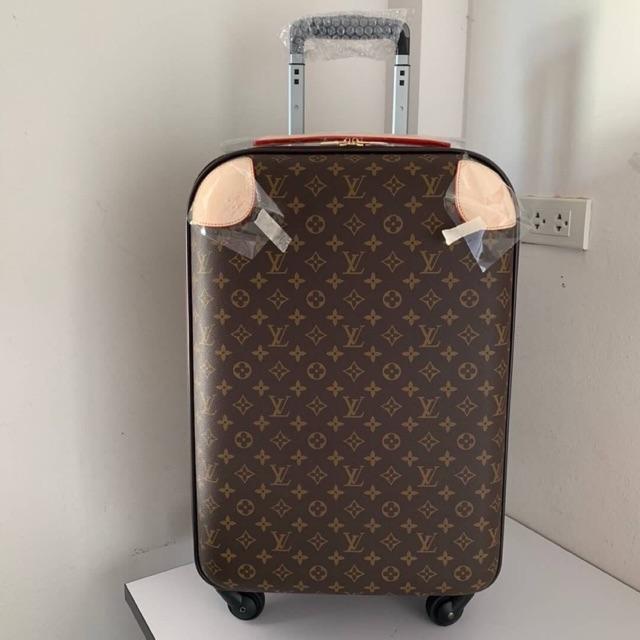กระเป๋าเดินทาง หลุยส์ ล้อลาก ใบใหญ่