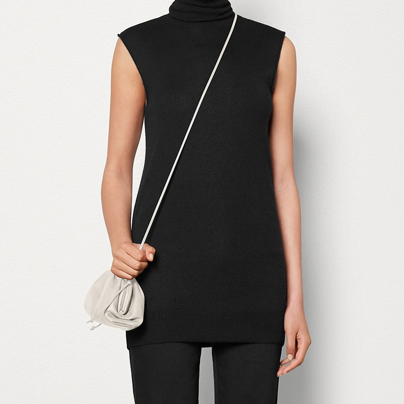 ♚♡ กระเป๋าเป้สะพายหลัง★★★❤🔥🔥 กระเป๋ากระเป๋าเดินทาง Bottega Veneta กระเป๋ามินิ POUCH ผู้หญิงคลาสสิกกระเป๋าสะพายไหล่ BV