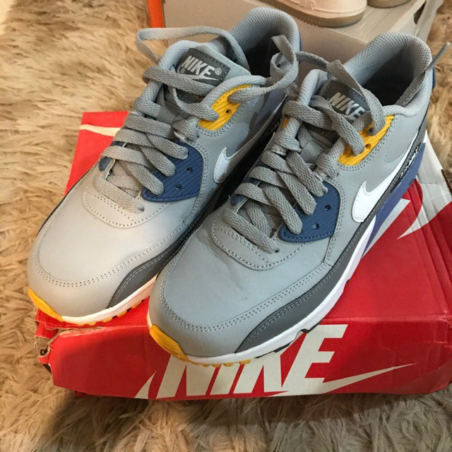 💖SOLD- Nike Air Max 90 GS size&