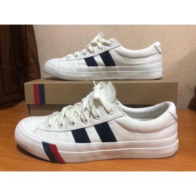 รองเท้าผ้าใบสีขาว Pro-Keds