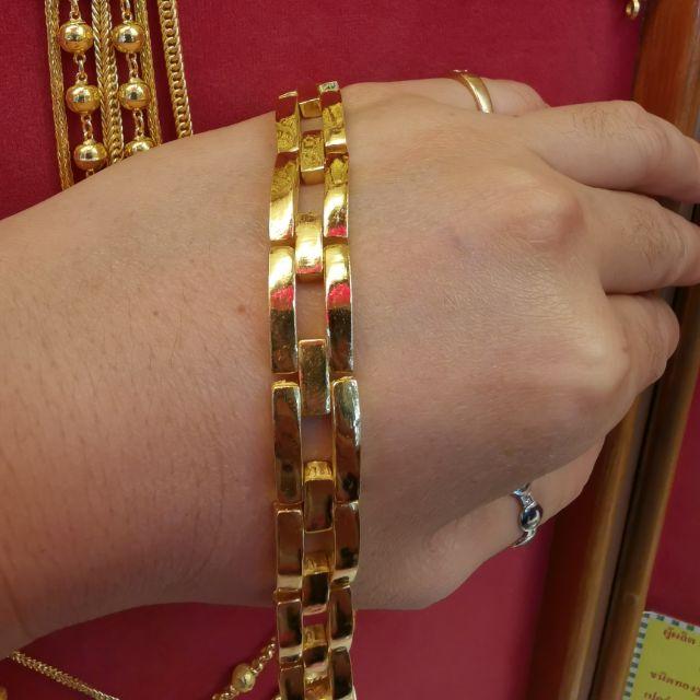 สร้อยมือทอง 96.5%  น้ำหนัก 3 บาท ยาว 17.7cm  ราคา 86,000บาท