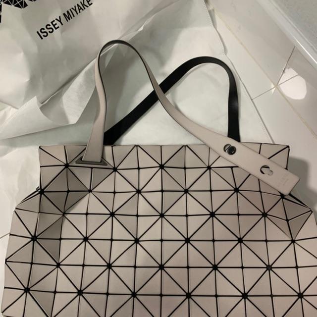 กระเป๋ามือสอง Issey Miyake Bao Bao บาวบาว อิเซ่มิยาเกะ ของแท้