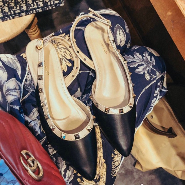 🌟งานเข้าใหม่🌟 รองเท้าคัชชู รัดส้น Valentino rock stud ตัวใหม่ล่าสุดปีนี้งานชนshop