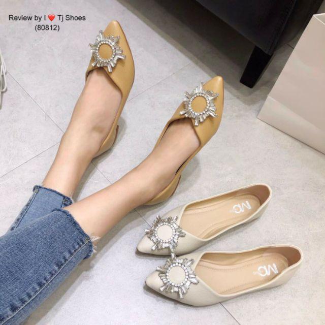 พร้อมรองเท้าคัชชูเพื่อสุขภาพ [[80812]]