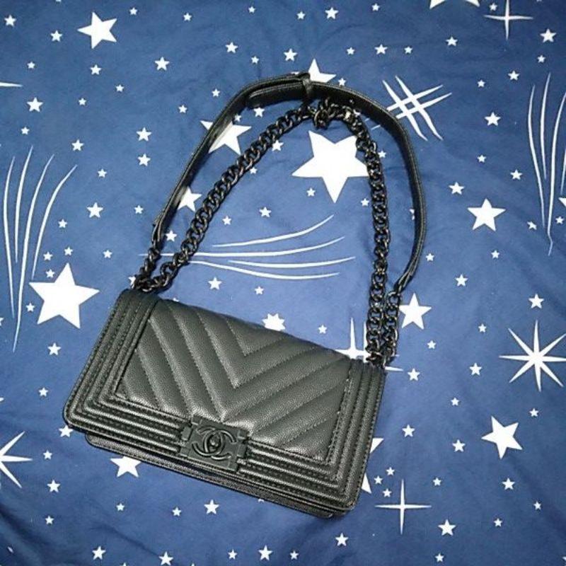 กระเป๋าสะพาย Chanel Boy