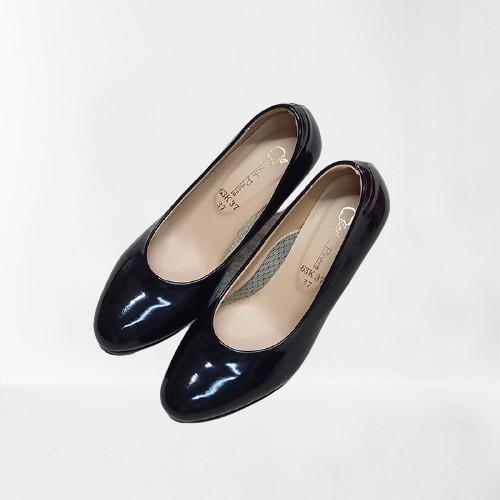 รองเท้าคัชชู ส้นสูง รองเท้าผู้หญิง  สีดำ