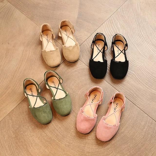 รองเท้าเด็กคัชชูสายไขว้กำมะหยี่ สีดำ,เขียว,น้ำตาล,ชมพู