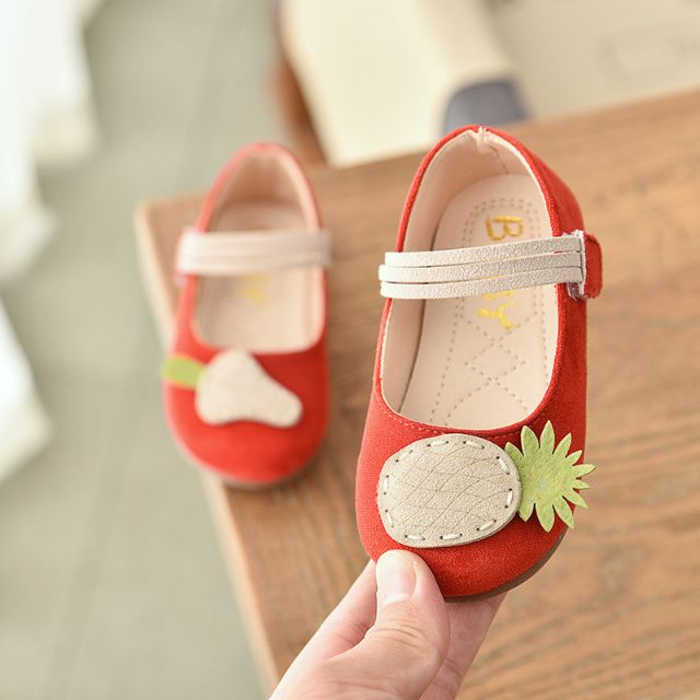 รองเท้าเด็กผู้หญิง สีแดง คัชชูเด็กหญิง