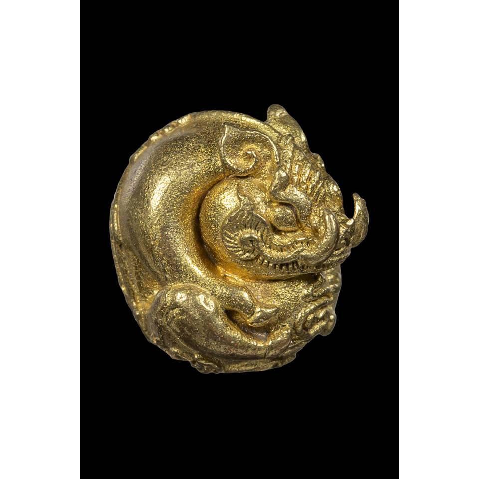 หมูจิ๋วเศรษฐีพันล้าน ๘ รอบ เนื้อทองระฆัง หลวงปู่บุญยัง อาจาโร