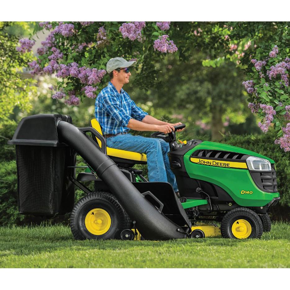 รถตัดหญ้าแบบนั่งขับ, เครื่องตัดหญ้า, รถตัดหญ้าแบบนั่งขับ John deere E 140