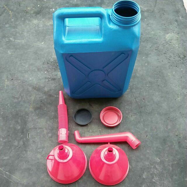 โควิธมาแล้วเตรียมน้ำดื่มน้ำใช้ใส่แกลลอนพร้อมกรวยเติม ใส่น้ำหรือน้ำมัน ขนาดความจุ10L