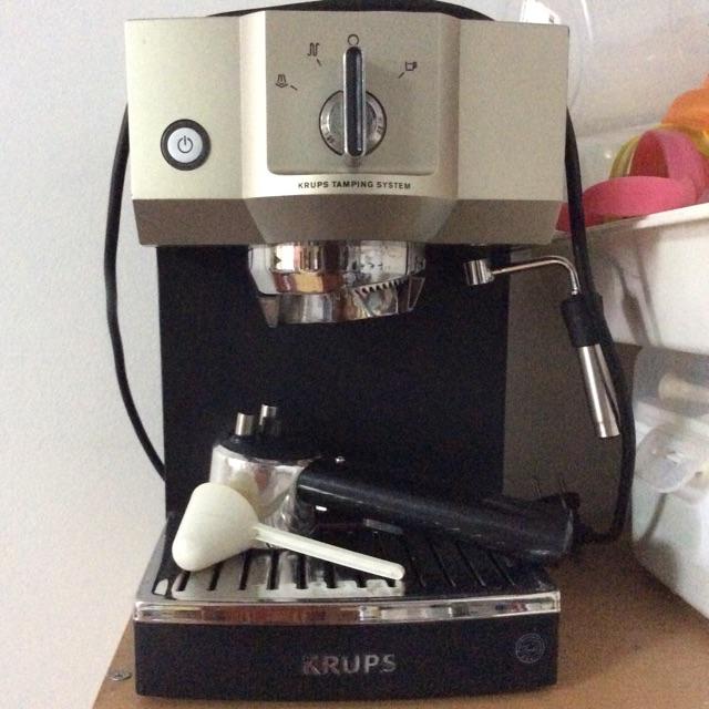 เครื่องทำกาแฟสดยี่ห้อ KRUPS