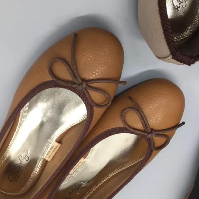 รองเท้าคัชชูผญ